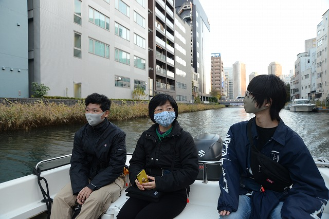 Tokyo Backstreets Bike Tour cruise sakura boat waterways cherry blossom cycling bike private tour yakanabune