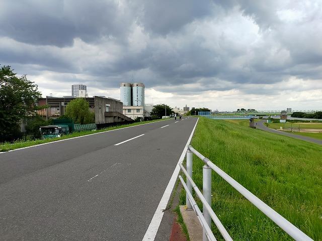 自転車 裏路地 Tokyo Backstreets Bike Tour ツアー サイクリング ポタリング 東京 下町 江戸 町歩き クルーズ ブロンプトン Brompton レンタサイクル 浅草 江戸川 コーヒー デイキャンプ