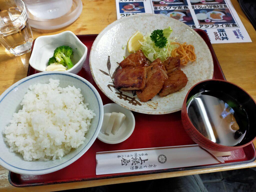 Tokyo Backstreets Bike Tour cycling Japanese food sushi sashimi bawl Asakusa streetfood