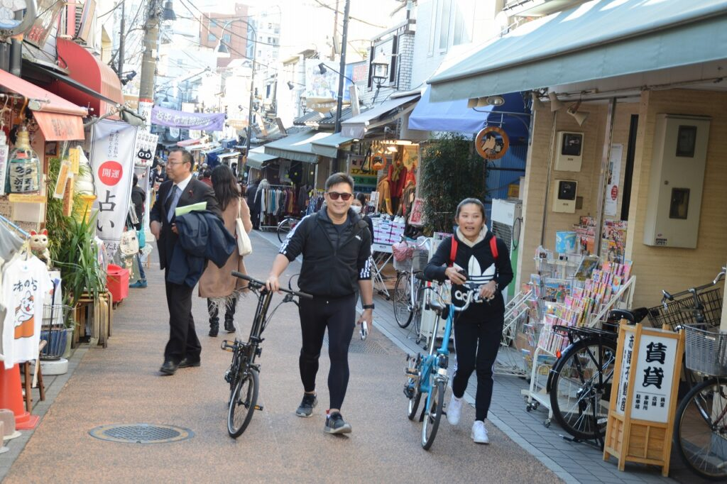 ทัวร์ญี่ปุ่น ทัวร์ปั่นจักรยาน ย่านชอปปิงเรโทรย้อนยุค ยานากะกินซ่า การกินไปเที่ยวไป